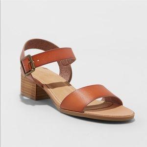 Women's double strap block heel sandal